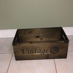 Beautiful vintage style crate